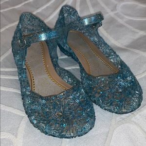 Dress-up Elsa/Cinderella shoes